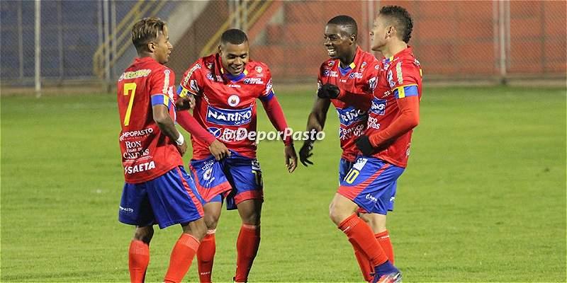 Con polémica en los goles, Pasto ganó 2-0 a Nacional en duelo aplazado