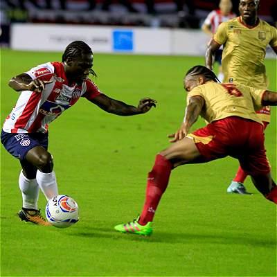 Junior dejó escapar el liderato y empató 2-2 con Rionegro Águilas