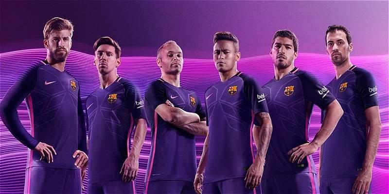 Barcelona presentó su segundo uniforme para la campaña 2016-2017
