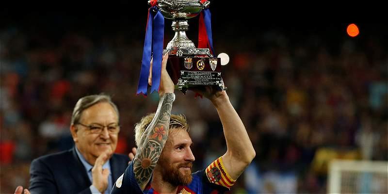 Messi levantó su primer título como capitán de Barcelona