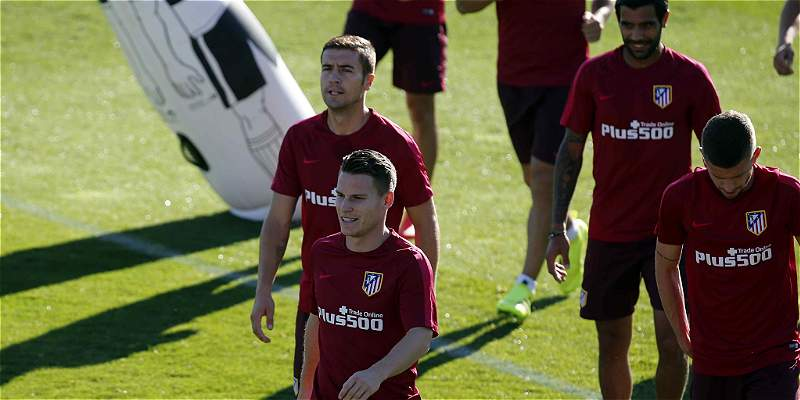 Atlético entra en acción, con Gameiro como principal refuerzo
