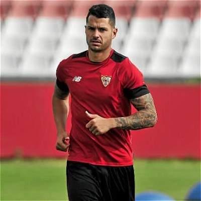 Vitolo se queda en Sevilla: renovó hasta el 2022 con el equipo español