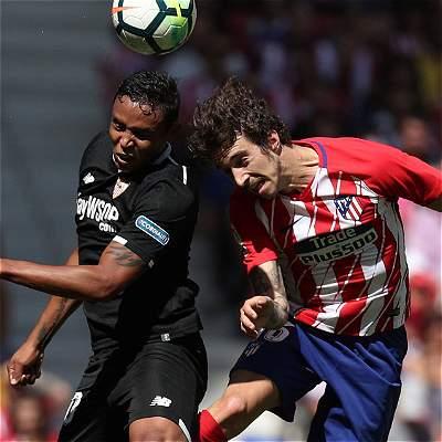 Sevilla no pudo con el empuje de Atlético y cayó 2-0 en el Wanda