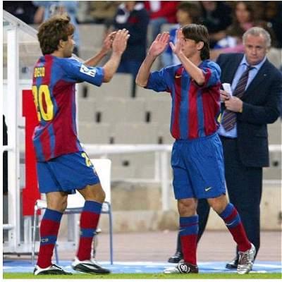 A 13 años del debut de Messi, Barcelona le rinde homenaje a su magia