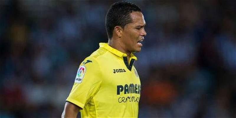 Carlos Bacca salió lesionado en Villarreal