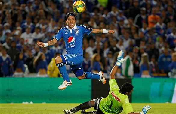 Dayro Moreno anotó un doblete frente al conjunto 'pijao' y elevó a doce su cuenta goleadora en la Liga I-2014.