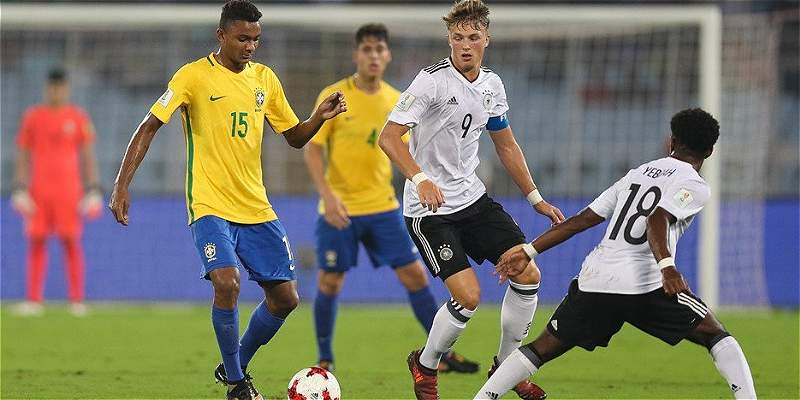Brasil superó 2-1 a Alemania y está en semifinales del Mundial Sub-17