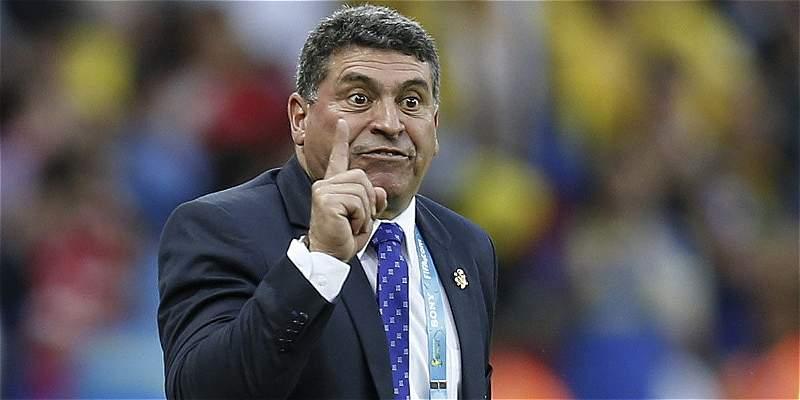 Luis Fernando Suárez, de DT mundialista a colero en fútbol peruano