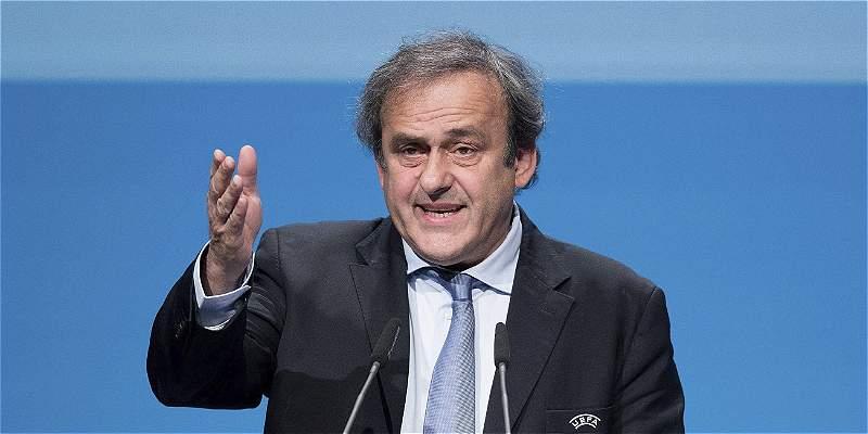 Platini oficializó su candidatura a la presidencia de la Fifa