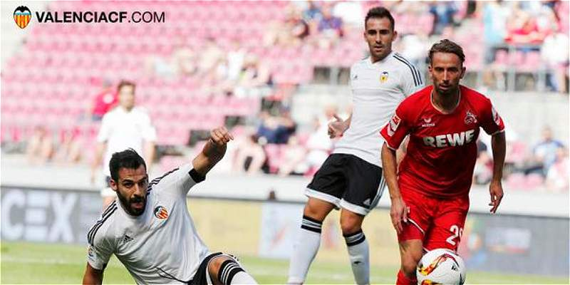 Valencia perdió 3-2 frente a Colonia, en compromiso amistoso