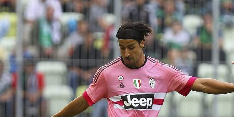 Khedira será baja dos meses en Juventus por lesión en bíceps femoral