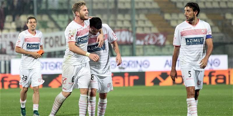 Torino fue inferior a Carpi y perdió 2-1, en fecha siete de la Serie A