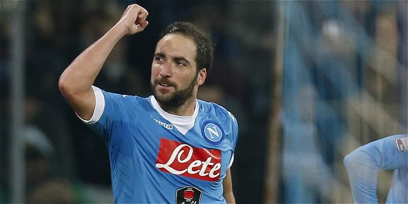 Nápoles y Roma combaten por el segundo lugar en la Liga de Italia
