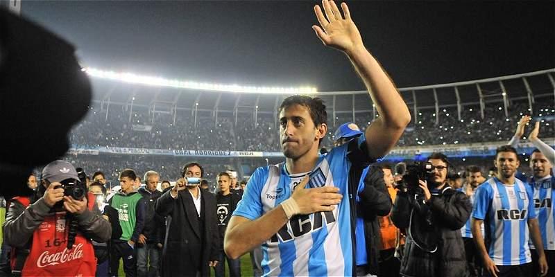 Diego Milito, ídolo de Racing, se retiró con un gol a Temperley
