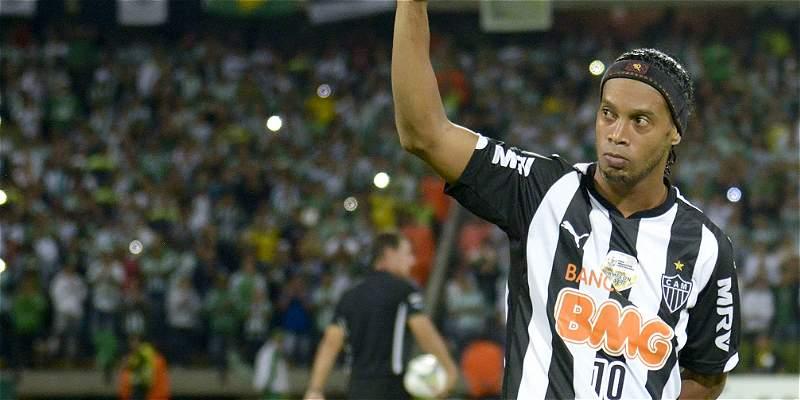 Ronaldinho disputará un partido de exhibición con Cienciano