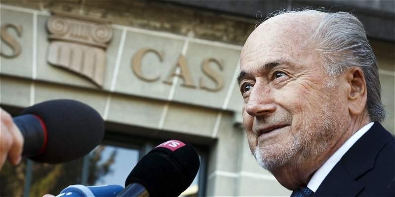Blatter compareció ante el TAS para apelar suspensión de seis años
