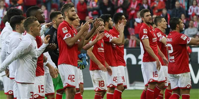 Con Jhon Córdoba en todo el juego, Mainz 05 ganó 2-1 a Darmstadt