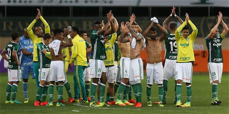 Palmeiras venció 1-2 al Figueirense, con Yerry Mina en los 90 minutos