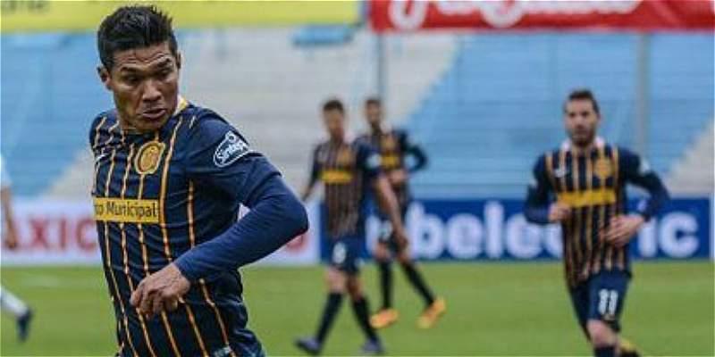 \'Teo\' Gutiérrez perdió el derbi con Rosario Central: 0-1 con Newell\'s