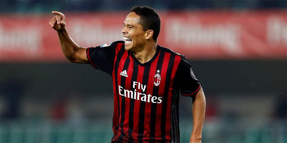 Carlos Bacca, titular con el Milan para visitar al Génova