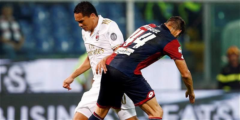 Bacca, 58 minutos en la derrota del Milan 3-0 en su visita a Génova