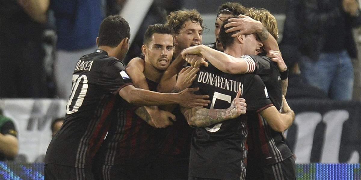 Bacca y Zapata, campeones con Milan de la Supercopa de Italia