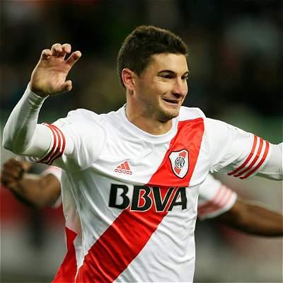 Lucas Alario PSG