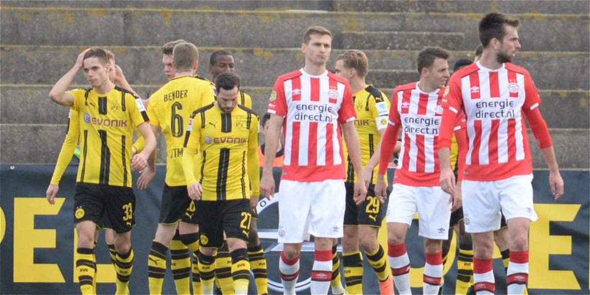 Adrián Ramos ganó el duelo a Santiago Arias: Dortmund venció 4-1 a PSV