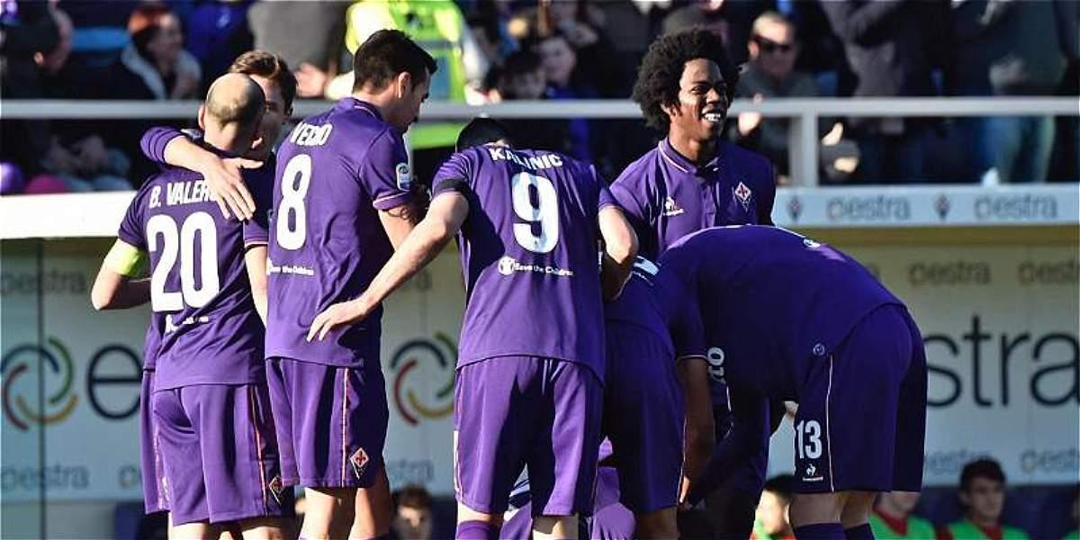 Fiorentina, con Carlos Sánchez 25 minutos, derrotó 3-2 a Lazio