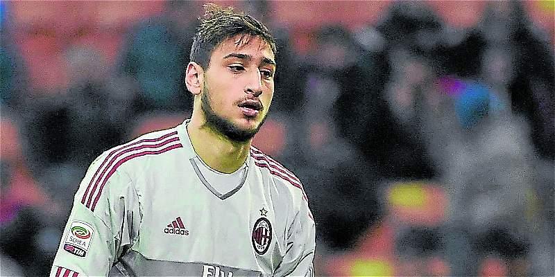El arquero Gianluigi Donnarumma podría renovar su contrato con Milan
