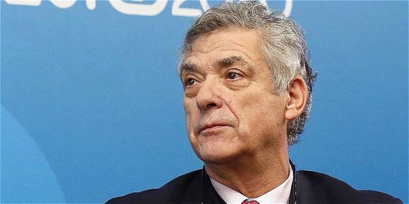Ángel María Villar presentó su renuncia como vicepresidente de la Uefa