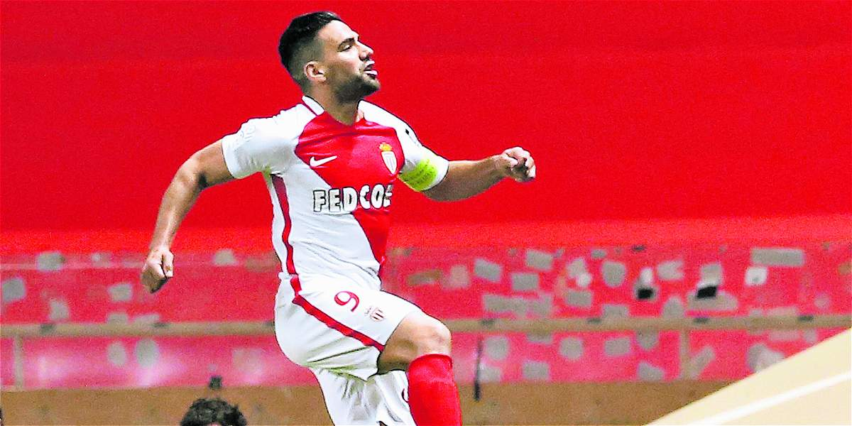Falcao García, titular en la derrota del Mónaco 2-1 frente al PSG