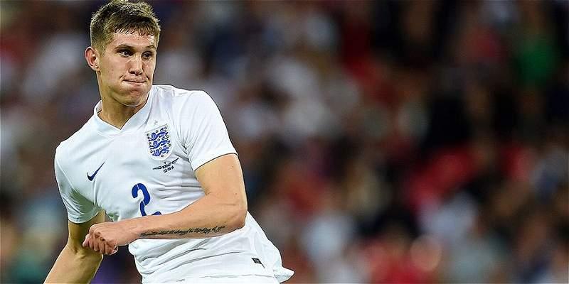 Everton rechazó nueva oferta de Chelsea por el defensor John Stones