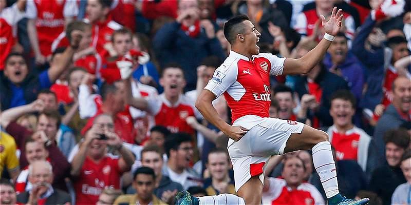 Alexis y Özil lideraron la goleada del Arsenal 3-0 sobre el United