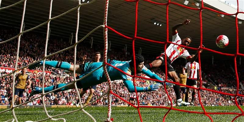 Cech evitó la derrota de Arsenal contra Sunderland: empate 0-0