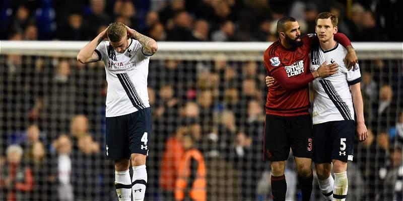 Tottenham falló con West Bromwich y Leicester quedó cerca del título