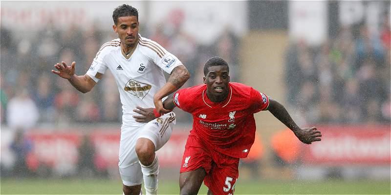 Liverpool se complicó en Premier: no pudo con Swansea y cayó 3-1