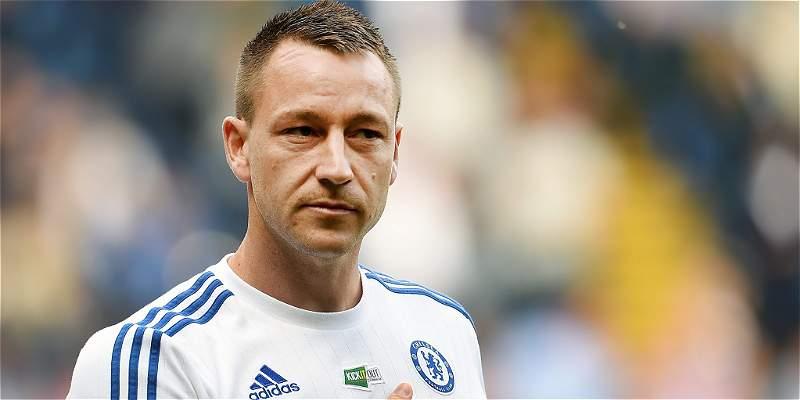 John Terry firmó contrato con Chelsea por una temporada más