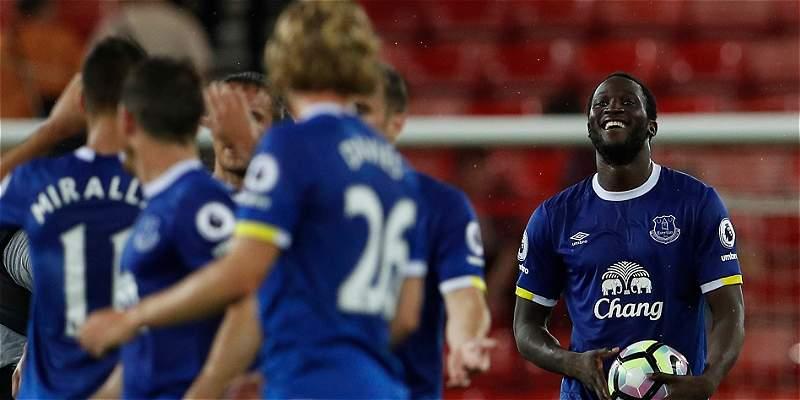 Everton venció 3-0 a Sunderland, con tres goles de Lukaku