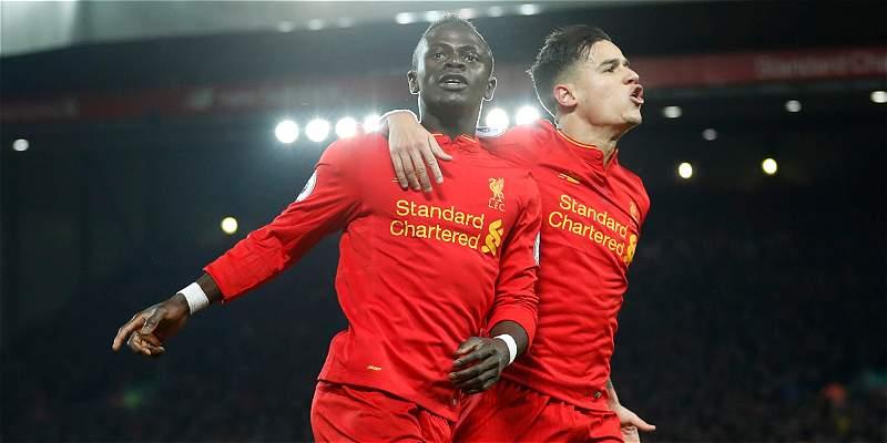 Con doblete de Mané, Liverpool renació y venció 2-0 a Tottenham