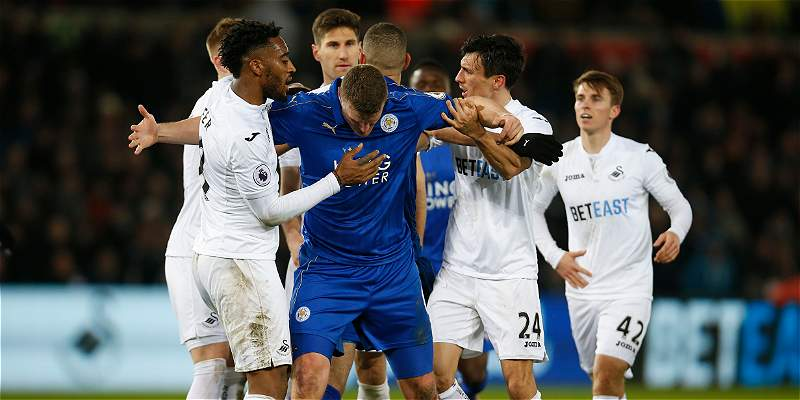 Leicester no reacciona y se acerca al descenso: perdió 2-0 con Swansea