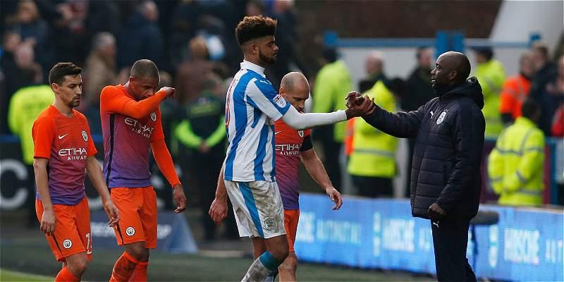 Manchester City no pudo con el Huddersfield y desempatará en Copa FA