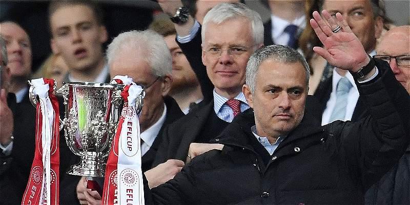 José Mourinho igualó a Alex Ferguson: ambos han ganado 4 Copas de Liga
