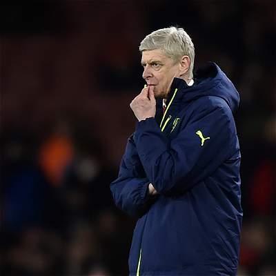 Presidente del Arsenal da un voto de confianza a Arsene Wenger
