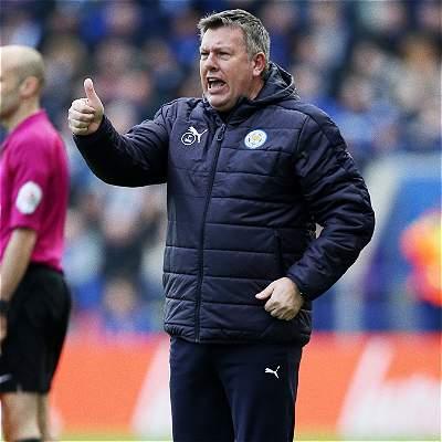 Craig Shakespeare será técnico del Leicester hasta final de temporada
