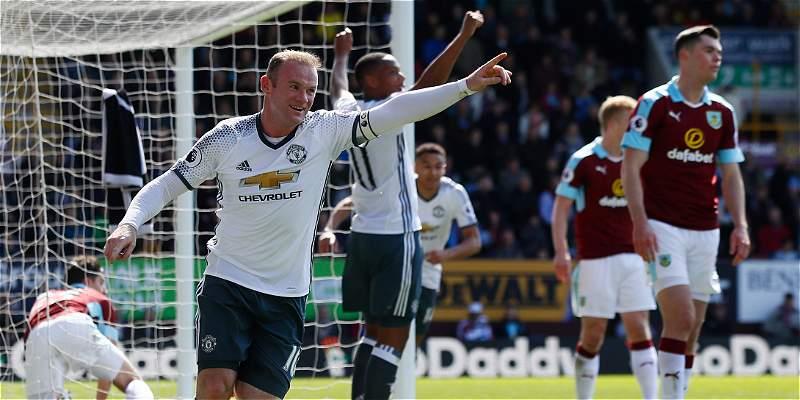 Manchester United recupera terreno en la Premier: superó 0-2 a Burnley