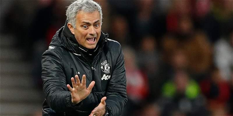 Mourinho confía en retener a David De Gea en el Manchester United