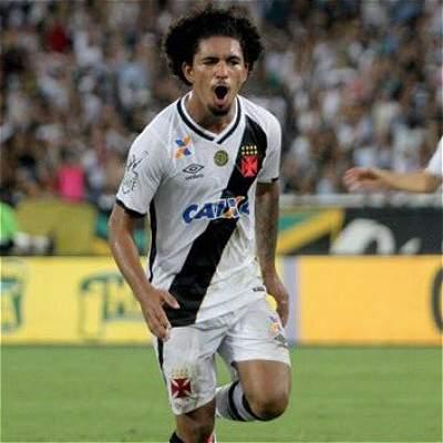 El brasileño Douglas Soares es nuevo jugador del Manchester City