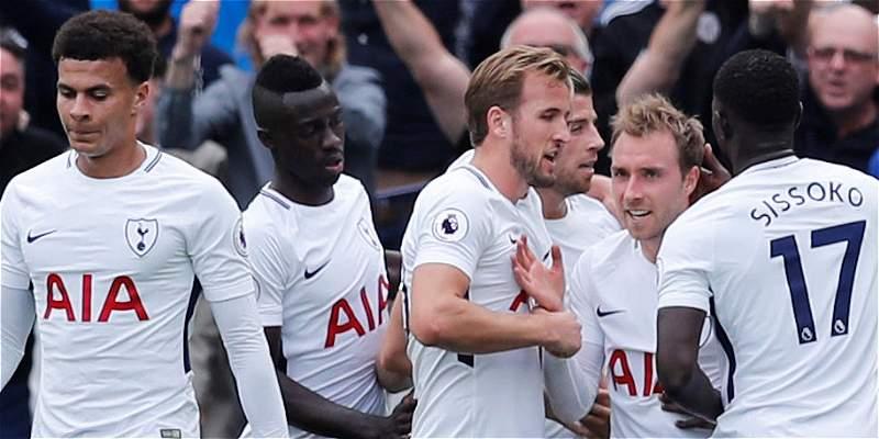 Tottenham Hotspur, con Dávinson 90 minutos, venció 2-3 a West Ham
