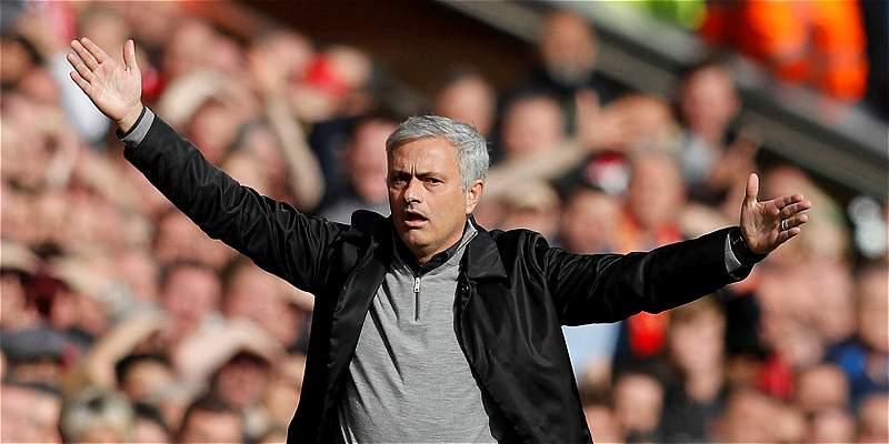José Mourinho negó que quiera abandonar el Manchester United